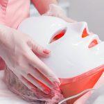 Măşti LED. Care sunt beneficiile pentru piele în urma utilizării terapiei cu lumină LED?
